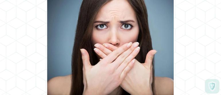 Неприятный запах из-под коронки: что делать?